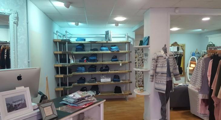 Scaffold shelves escape boutique