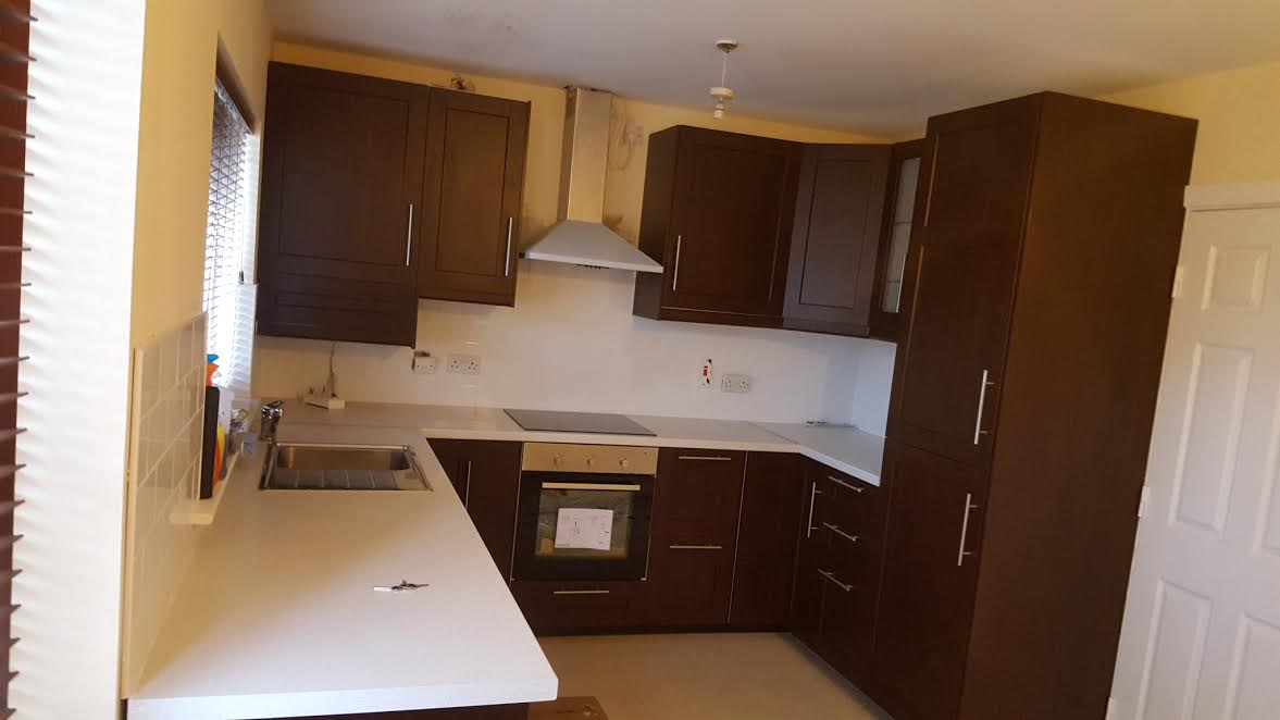 New fitted kitchen tyrellstown dublin fitted kitchen for Pictures of fitted kitchens